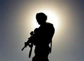 Soldat US en patrouille
